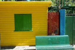 Barrio colorido de La Boca en Buenos Aires, Argentina. Detrás de estas colores, se encuentra un barrio pobre menos visible para el turista.