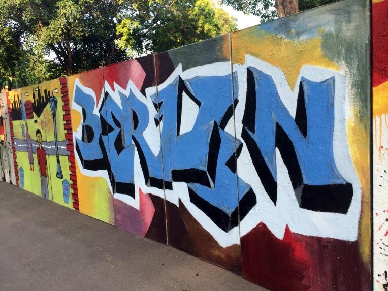 replica del muro de Berlín en Sri Lanka