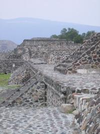 Escaleras de Teotihuacan, México