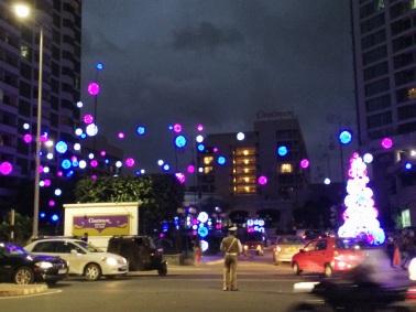 La lluvia, vientos huracanados y frío, fueron los protagonistas del clima navideño.