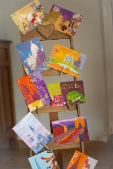 Mini escalera con postales