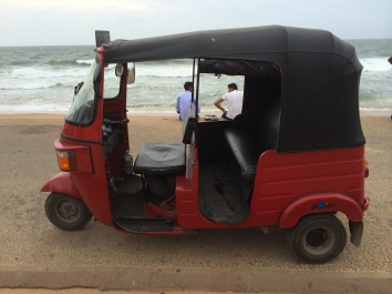 Tuk tuk en galle face green