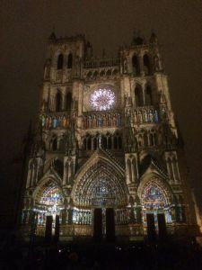 Catedral iluminada de Amiens