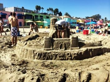 concurso de castillos de arena Begonia Festival