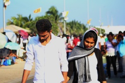 pareja en Galle Face Green Visita Papa Francisco Sri Lanka