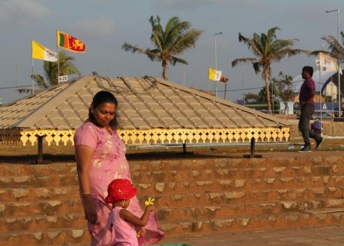 Madre e hija en Galle Face Green