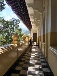 Pasillo en el Sri Dalada Museum o Museo de la Reliquia del Diente