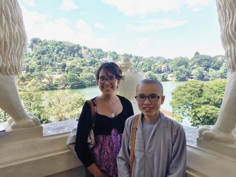 Yo y una religiosa Vietnamita