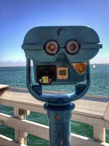 binoculares en el muelle de Santa Cruz