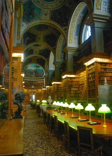Biblioteca Asamblea con pinturas de Delacroix en el techo
