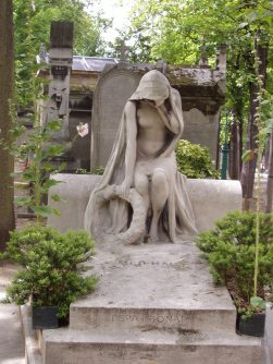 Tumba del autor Henri Meilhac en el cementerio del Père Lachaise