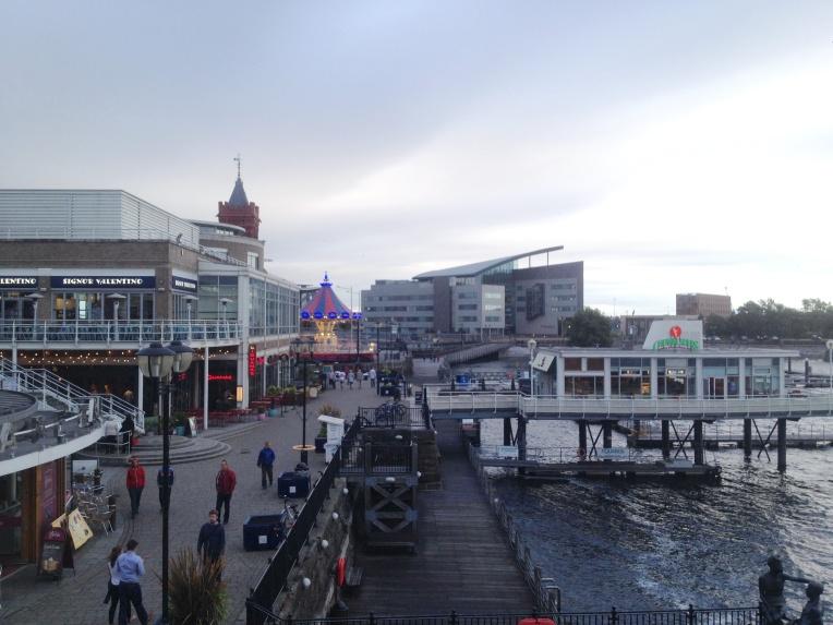 bahía Cardiff