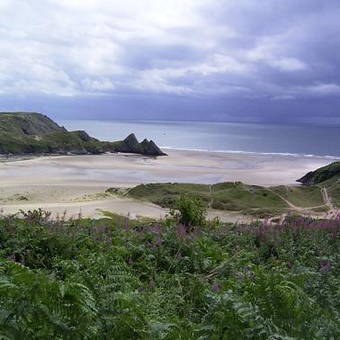 Foto de Three Cliffs (tomada de commons.wikimedia.org)