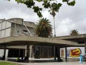 Plaza del rectorado, Mural de Fernand Léger
