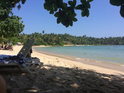Playa de Hiriketiya en Dikwella Sri Lanka