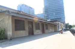 Constraste de edificios viejos y nuevos en VArsovia