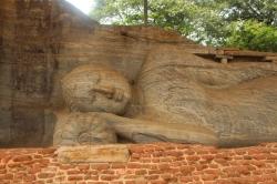 Tercer Buda reclinado en Gal Vihar o Monasterio en la Roca