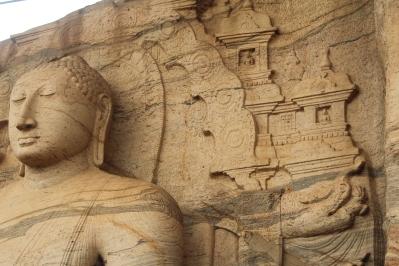 Estos pequenos Budas simbolizan los proximos Budas por venir