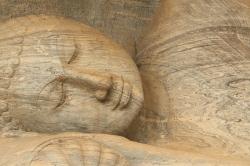 Vean los detalles de la roca, las lineas de sedimentos