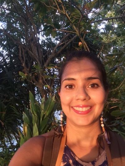 Yo con la bella luz del atardecer en la isla Trapobane