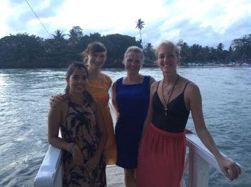Mis amigas y yo en la isla Trapobane