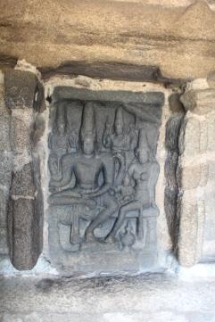 Relieve grabado en piedra Familia de Shiva
