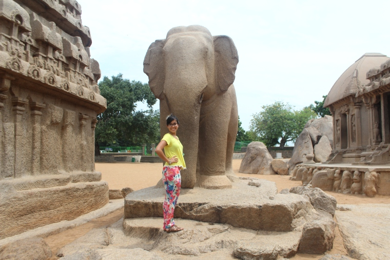 Estatua de Elefante en tamaño natural en Pancha Rathas