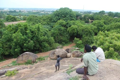 Vista desde las rocas que forman los templos