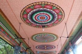 Mandalas en el techo del templi