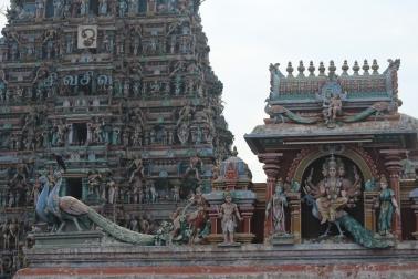 Deidades en el templo de Shiva