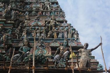 torre principal del Templo de Shiva que estaba siendo reparado