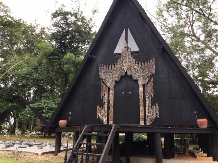 museo-bandaam-o-templo-negro-en-chiang-rai