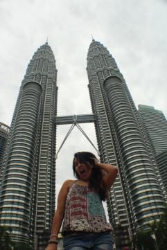 Yo con cara de loca que por fin llegué a Kuala Lumpur