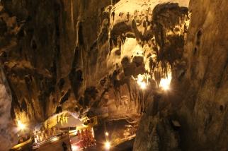Detalles de la roca en la Cueva Ramayana