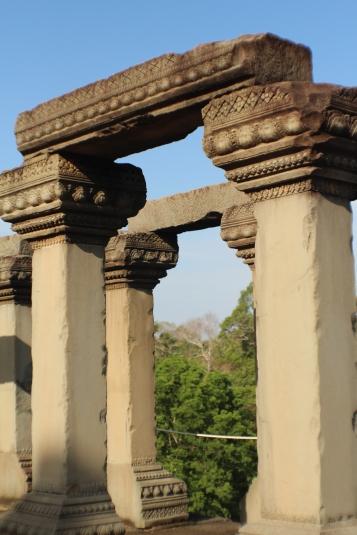 Columnas en las ruinas de Angkor