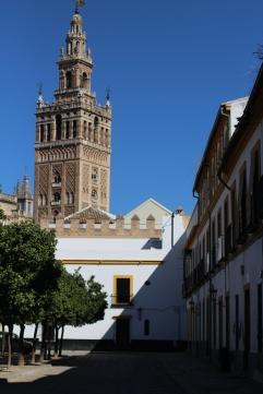 Vista externa de la Torre La Giralda
